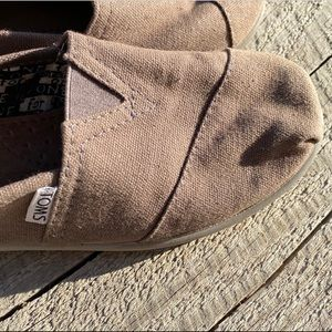 Tan Toms canvas slip on shoes